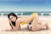 Fitnessgirl am Strand Bildquelle: Sexy woman with soccer ball on vacation 2 © Creativa Images / Fotolia.com