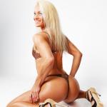 Fitnessgirl mit blonden Haaren von hinten Bildquelle: Back of a sitting sexy blonde wearing underwear © Fxquadro / Fotolia.com