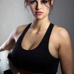 Fitnessgirl mit Fussball Bildquelle: want to play © jayfish / Fotolia.com