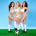 Fitnessgirls mit Fussball Bildquelle: Three beautiful sexy women soccer players © Dash / Fotolia.com